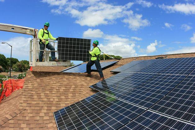 Nuovo progetto solare di Musk: arrivano le tegole solari