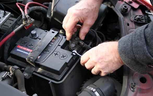 Batteria auto, come prolungarne la vita